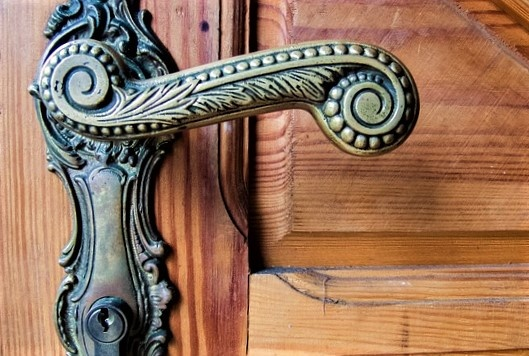 aged brass bronze aesthetic luxury metals